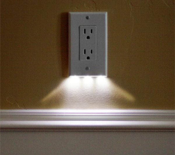 שקע חשמל עם נורת לילה מובנת
