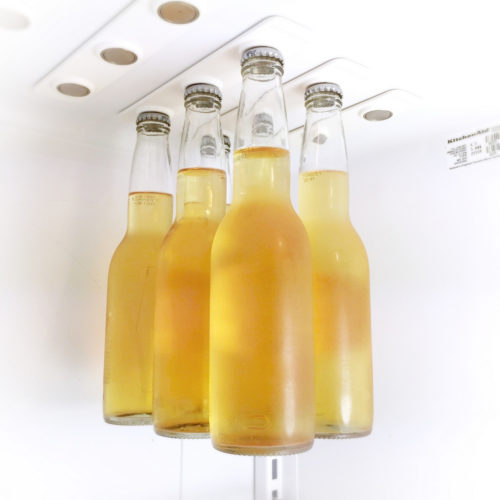 מגנטים לתליית בקבוקים במקרר