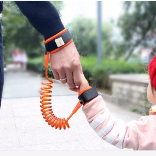 רצועת בטיחות להליכה עם ילדים