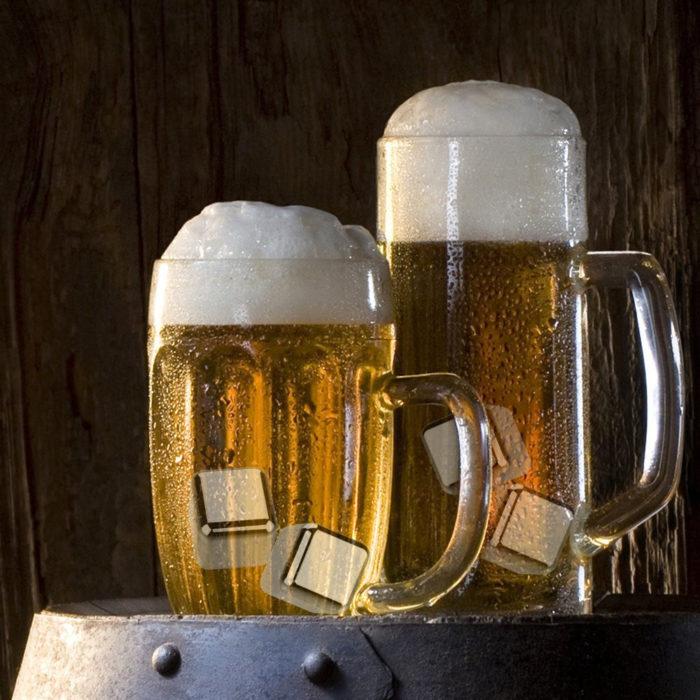 8 יחידות קרח מתכת רב שימושי שאינו פוגם בטעם השתייה + מלקחיים מתנה