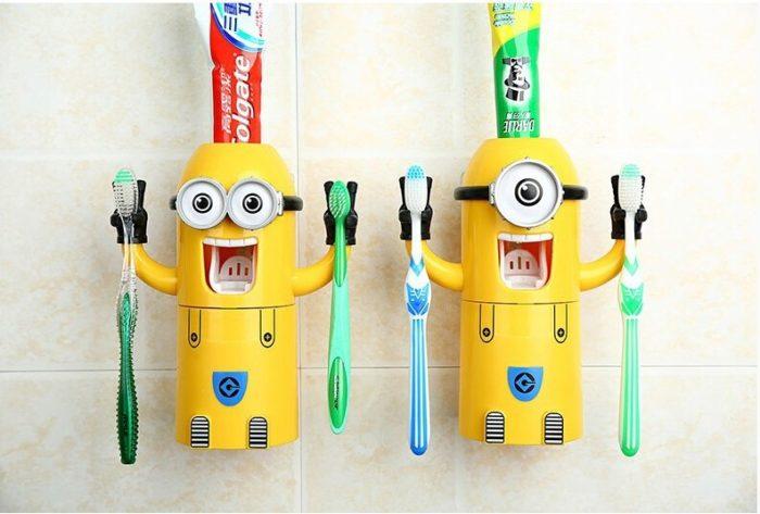 מחזיק מברשות שיניים + סוחט משחת שיניים בצורת מיניון