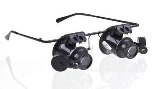 משקפיים 20X עם פנסים מורכבים