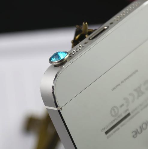 10 מגני אבק לסמארטפון בצורת יהלום