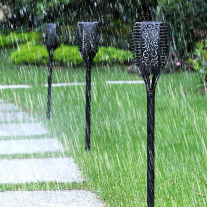 לפיד אש סולארי חסין מים לגינה ולבית