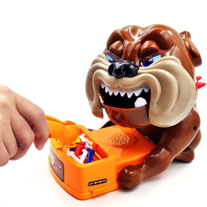 משחק כלב עצבני