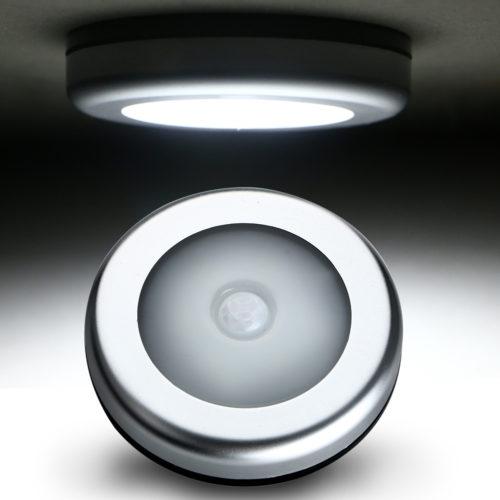 מנורת 6 לדים עם חיישן תזוזה להדלקה וכיבוי אוטומטיים