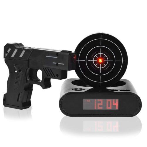 שעון מעורר עם משחק יריות למטרה