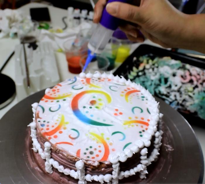 ערכה לציפוי עוגות עם קומפרסור