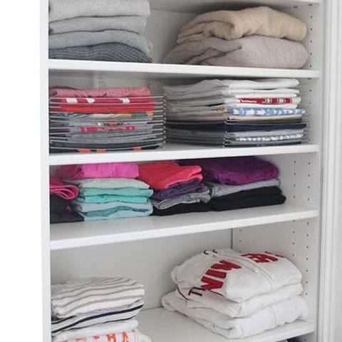 10 מארגני בגדים להוצאת בגדים מבלי לבלגן
