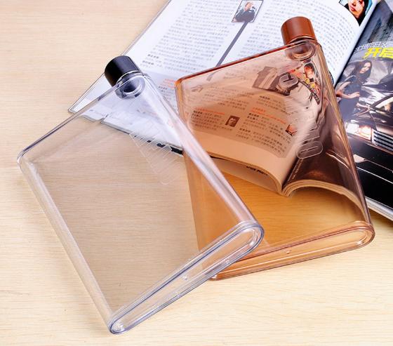 בקבוק שתייה בעובי של ספר - נכנס בקלות לכל תיק