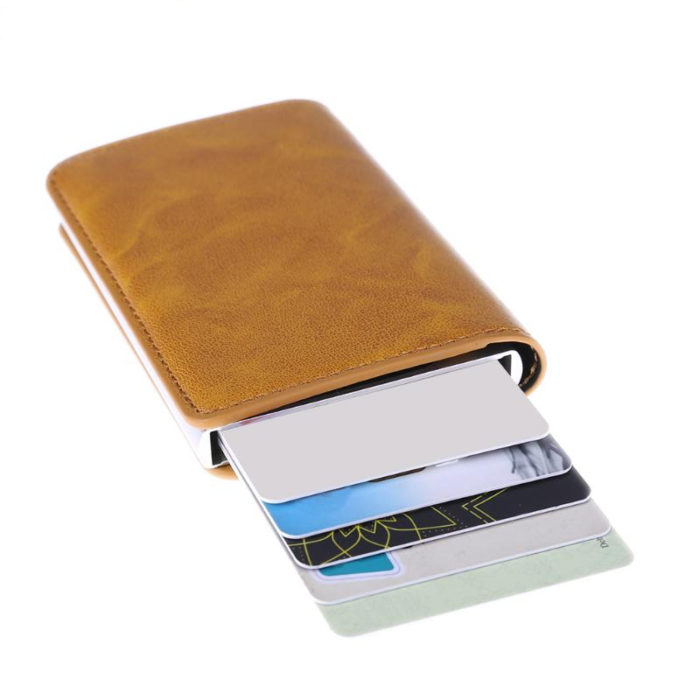 ארנק עור כולל כרטיסים נגד גנבים ונוח לשימוש