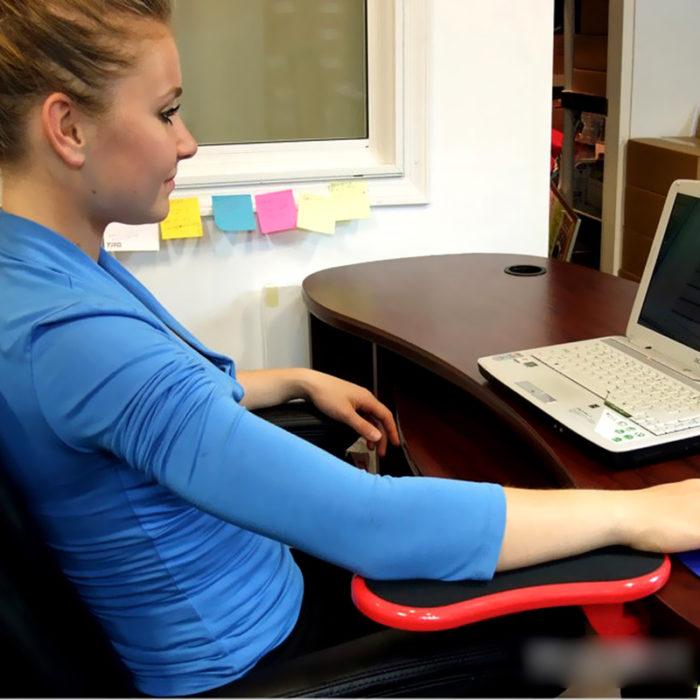משענת יד אוניברסלית לשימוש נכון במחשב