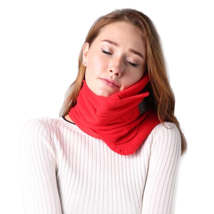 כרית המתלבשת על הצוואר עם תמיכה מלאה לטיולים ונסיעות