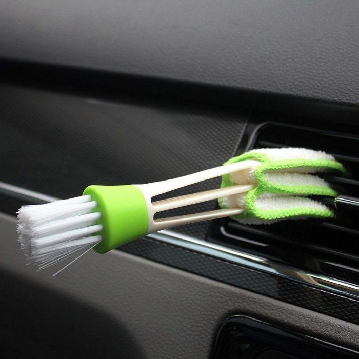 מברשת מיוחדת לניקוי פתחי האוורור של הרכב