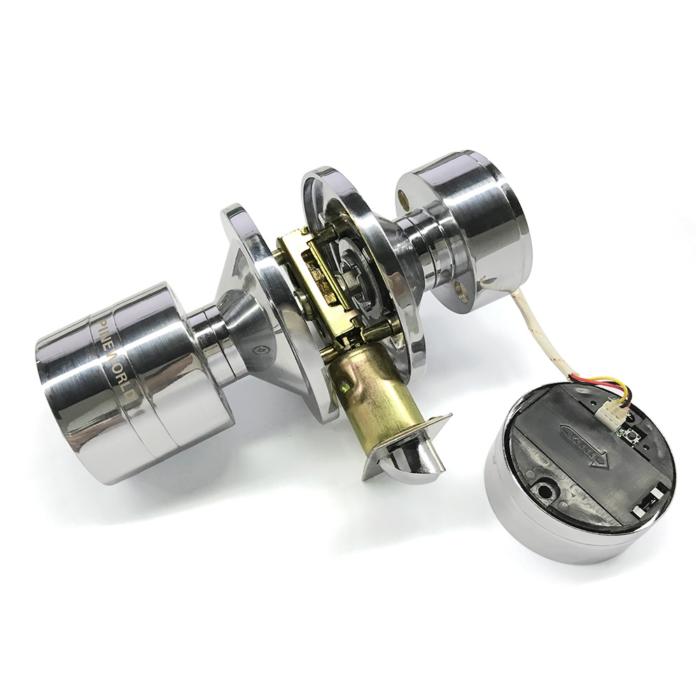 מנעול דלת חשמלי עם קוד ואופציה לחיבור בלוטות'