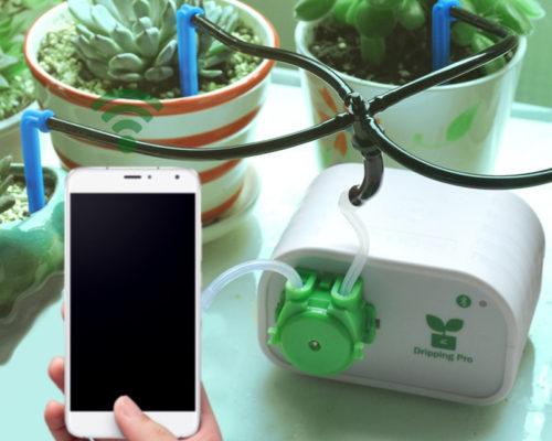 מערכת השקייה אוטומטית לעציצים הנשלטת באמצעות הטלפון