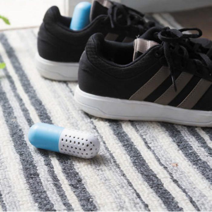 זוג קפסולות למניעת ריחות רעים בנעליים