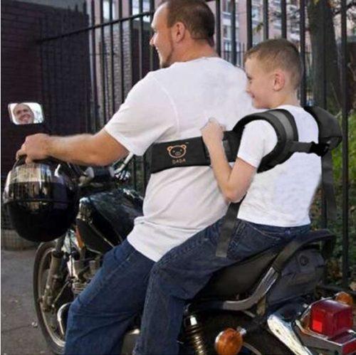 חגורת בטיחות להרכבת ילדים על אופנועים