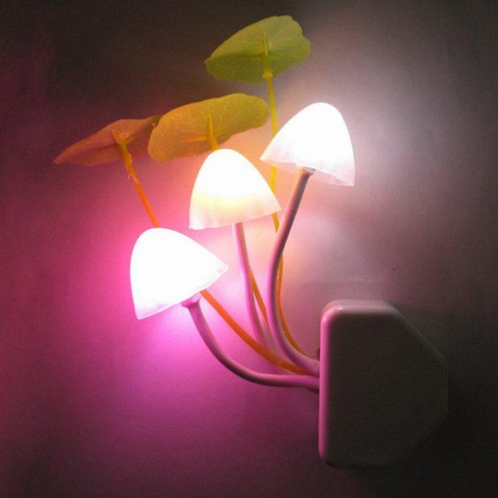 מנורת לילה בצורת פטריות זוהרות