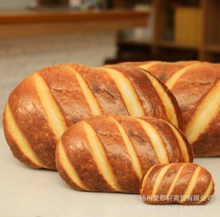 כרית ארוכה בצורת כיכר לחם במגוון גדלים