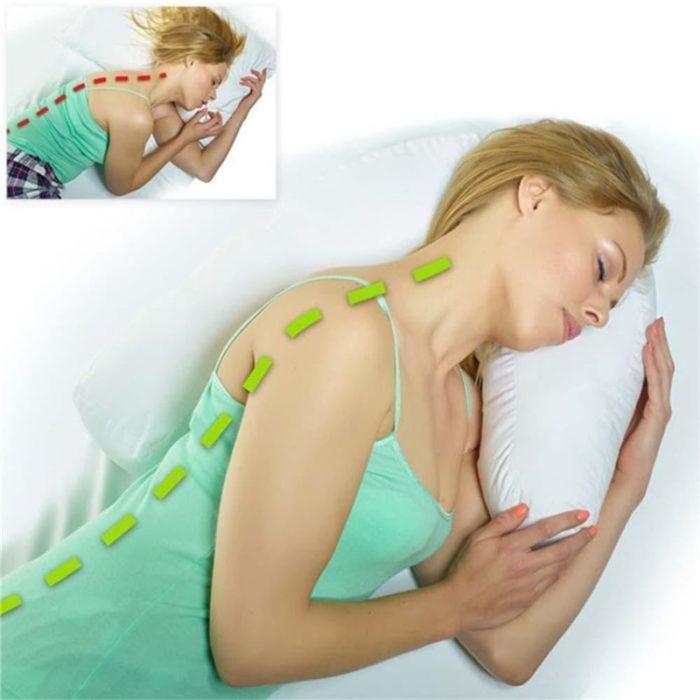 כרית בצורת U לשינה נוחה על הצד