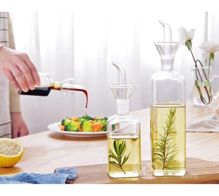 בקבוק שמן עם זרבובית למזיגת כמות מדויקת