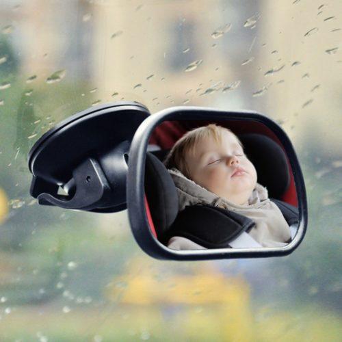 מראה למעקב אחר תינוק במושב האחורי