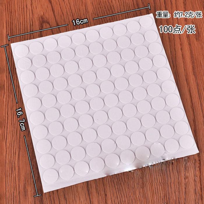 100 מיני מדבקות דבק דו־צדדי להדבקת בלונים לתקרה (100 מדבקות)