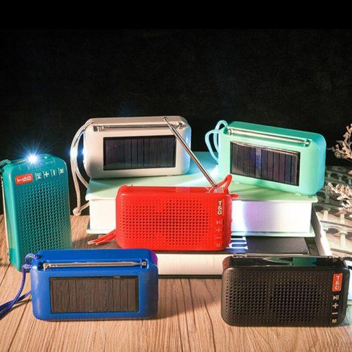 רמקול בלוטות' הנטען באופן סולארי או באמצעות כבל עם רדיו מובנה