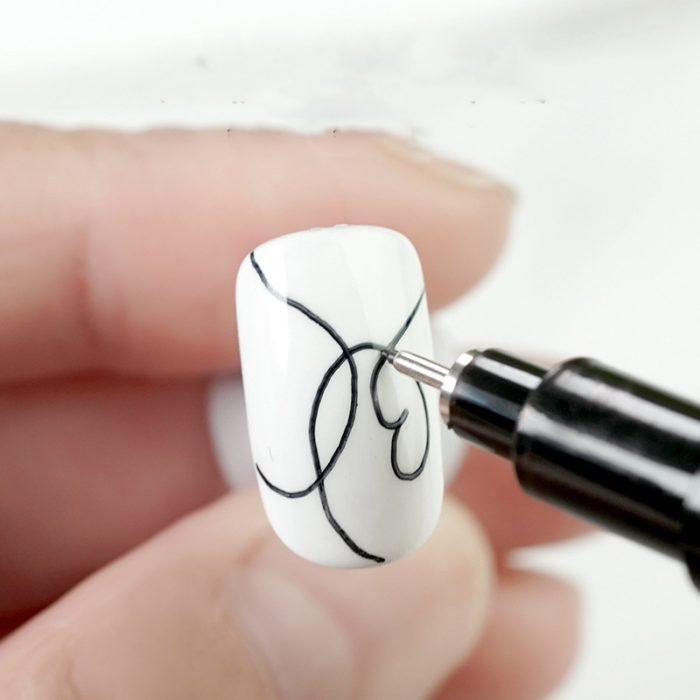 עט עם דיו עמיד במים לעיצוב ציפורניים