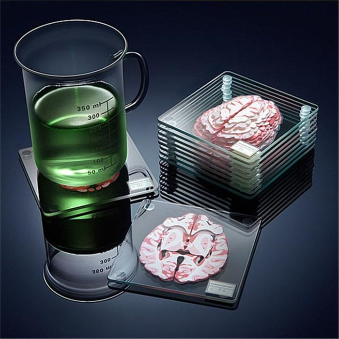 10 תחתיות לכוסות עם עיצוב של מוח מדליק