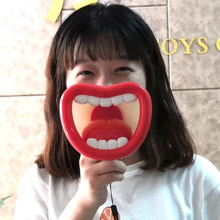 מגפון מצחיק משנה קול ל-4 קולות שונים