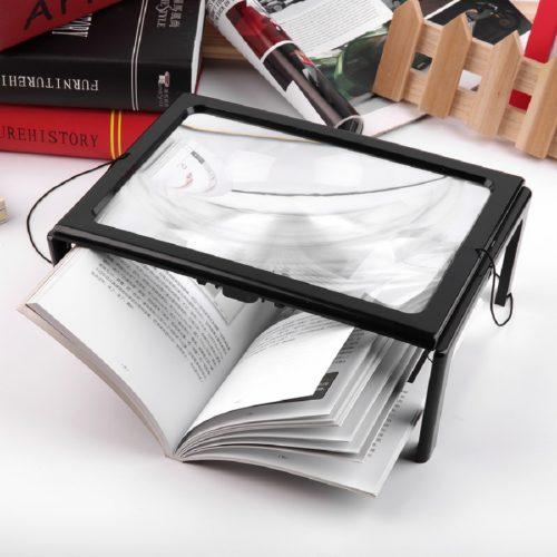זכוכית מגדלת לספרים ומסמכים עם תאורה מובנית ומעמד