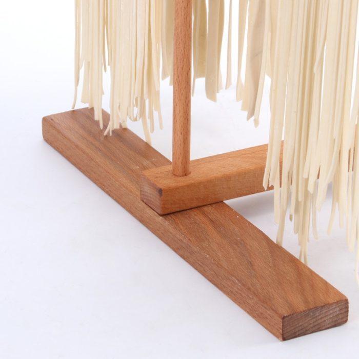 מעמד עץ למטבח לייבוש פסטה