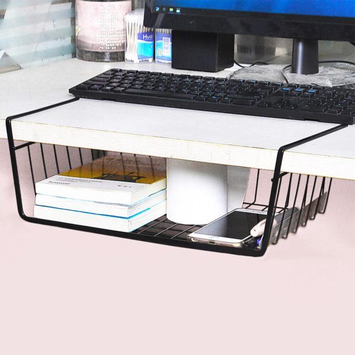 סלסלת אחסון נתלית מתחת לשולחן