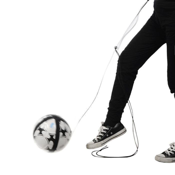 רצועה אלסטית לאימון והקפצת כדורגל