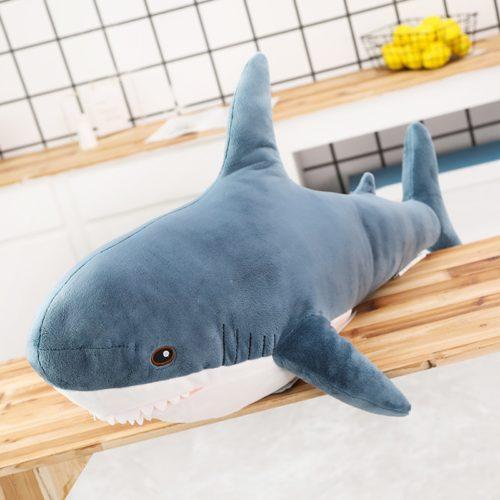 כרית בובת כריש רכה במגוון גדלים