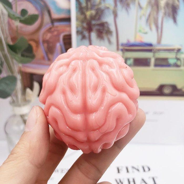 משחק נמעך להרפיית הידיים בצורת מוח