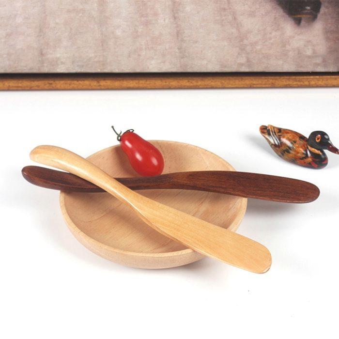סכין חמאה מעץ